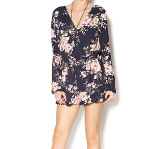 Honey Punch Navy Floral Long Sleeve Romper Small